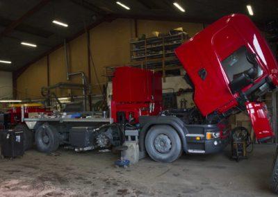 Knud Gade - Nye lastbilkraner opbygges 2