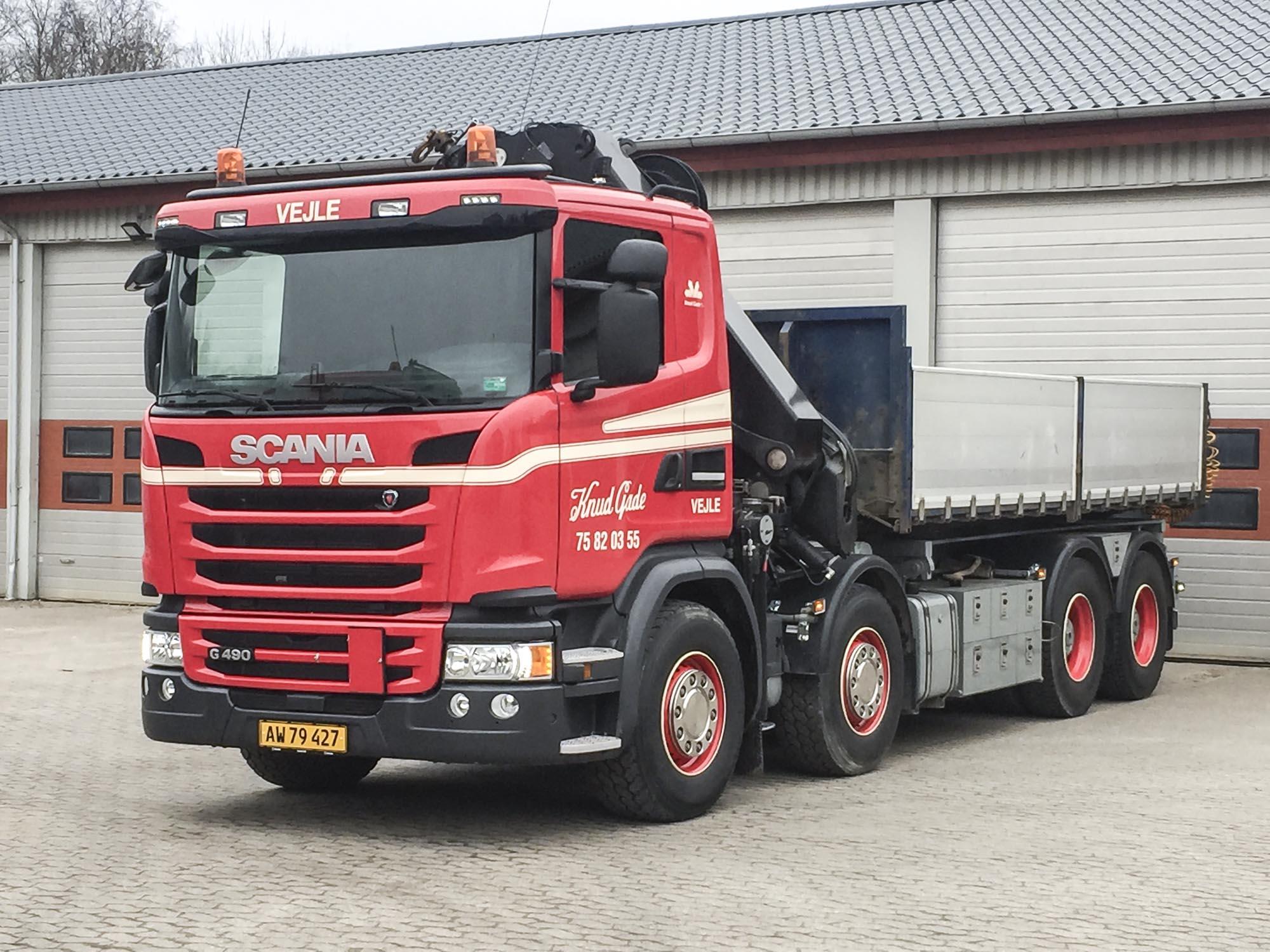 Scania med 32 t/m kran 1