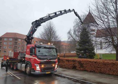 Knud Gade opruster med to nye kraner 1