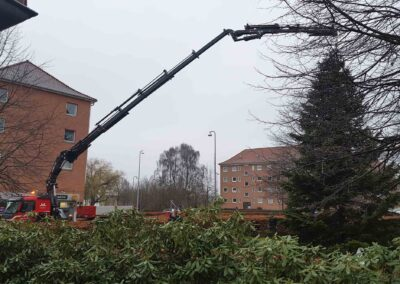 Knud Gade opruster med to nye kraner 2