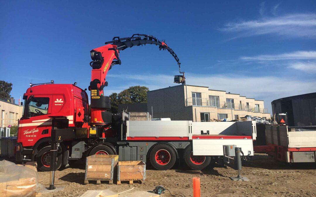 Ny Scania med Palfinger kran skal hejse materialer for byggebranchen