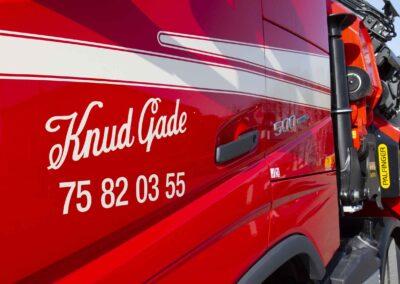 Knud Gade opruster vognpark med ny lastbilkran 7